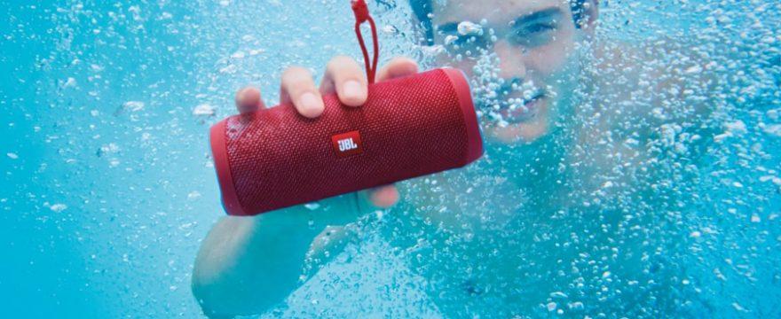 JBL FLIP 4: Waterproof Portable Bluetooth Speaker Review